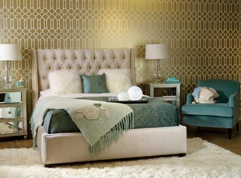 7 Ideas for Decorating Bedroom With Metallics